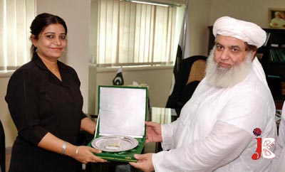 August 17: Federal Minister for Tourism Atta-ur-Rehman presents a momento to High Commissioner of Maldives Aishath Shehnaz Adam, at Ministry of Tourism.
