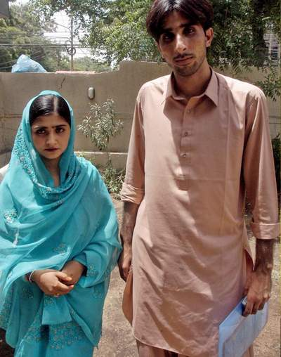 June, 23: Love marriage couple seeking protection after threatened by their tribes, Love marriage trend is rapidly increasing in Pakistan