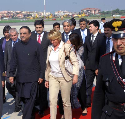September 28: President Asif Ali Zardari is being received by Italian Minister of State For Foreign Affairs Ms. Stefania Craxi at Italy Ciampino Airport