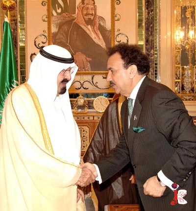 August 31: Federal Minister for Interior Senator A Rehman Malik shakes hand with the custodian of the two holy mosques King Abdullah Bin Abdul Aziz Al Saud, at his palace in Jeddah. Former President Pervez Musharaff is also going to visit Saudi Arabia in next two days.
