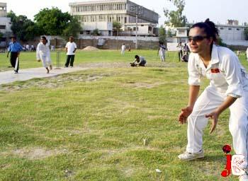 eunuch vs boy cricket match