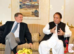 nawaz with holbrroke